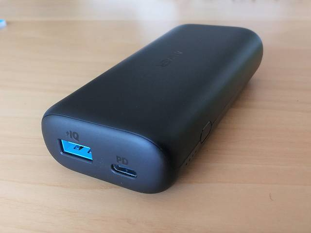 Anker PowerCore 10000 PD の接続ポートの画像