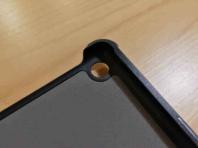 Amazon fire HD 10の社外製カバーのカメラ部分内側画像