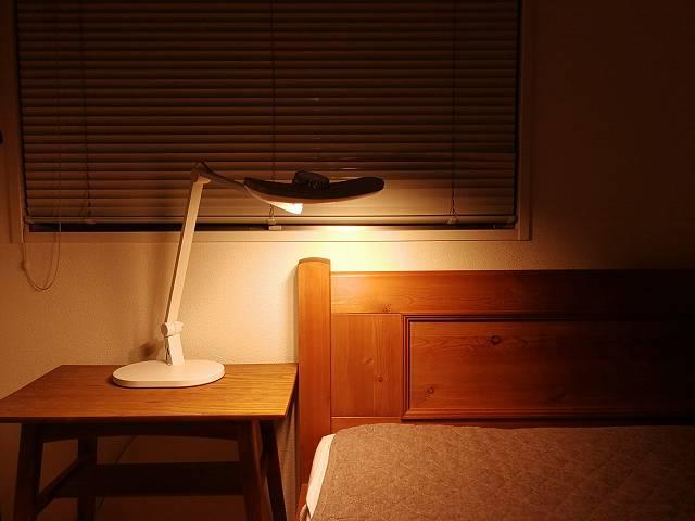 寝室の読書灯として