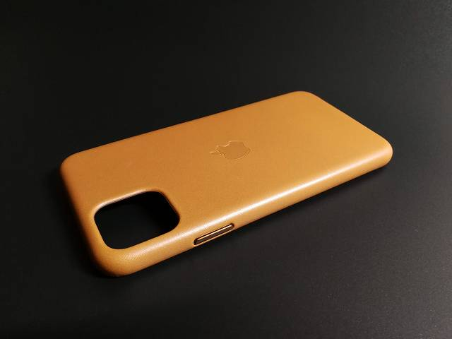 iPhone11 Pro Max Apple純正レザーケース サドルブラウンの全体画像