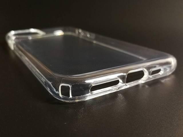 Spigen iPhone 11 Pro Max ケース クリスタル・クリアの下部の加増