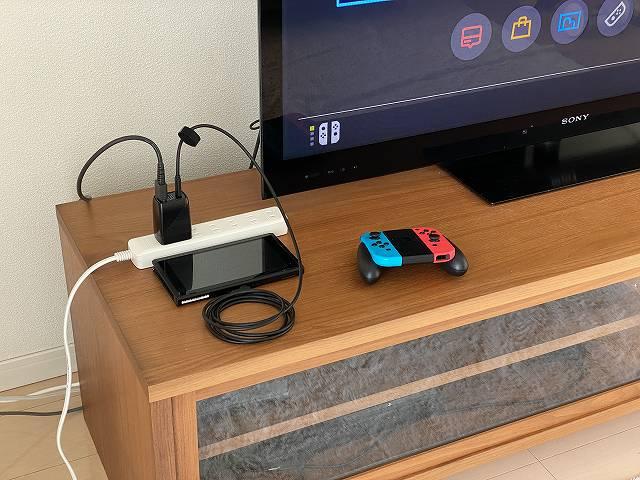 GENKI Dockを使ってSwitchをTVに接続した状態の画像