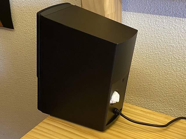 BOSE Companion 2 Series III のバフレスポートにティッシュを詰め込んだ画像