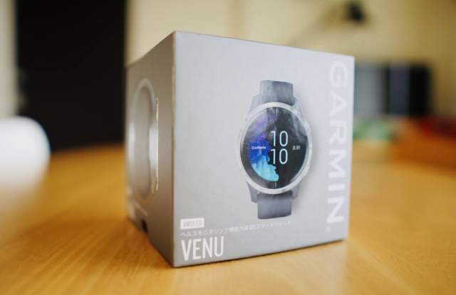 Garmin VENU の外箱の画像