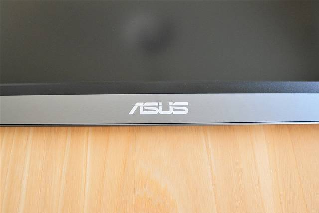 ASUS MB16ACE のロゴ部分の拡大画像