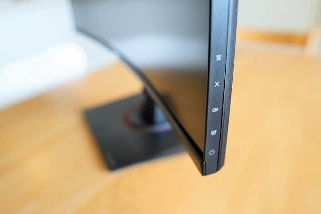 ASUS TUF Gaming VG27VQ のディスプレイ側面メニューアイコンの画像