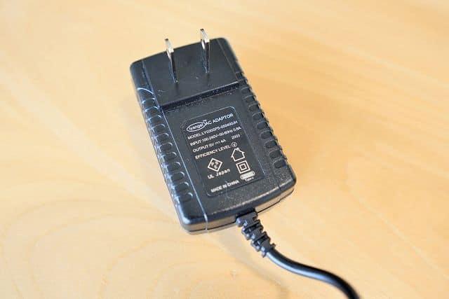 Geoyeao EVP-301に付属しているACアダプタの画像