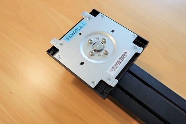 ASUS ProArt PA278QVのスタンド接合部分の画像