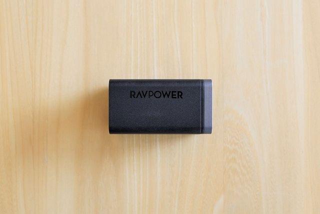 RAVPower RP-PC136の側面画像