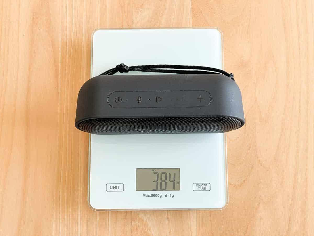 Tribit XSound Goの重さを計測している画像