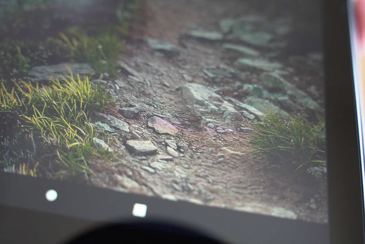 Amazon fire HD 10の液晶画面の拡大画像