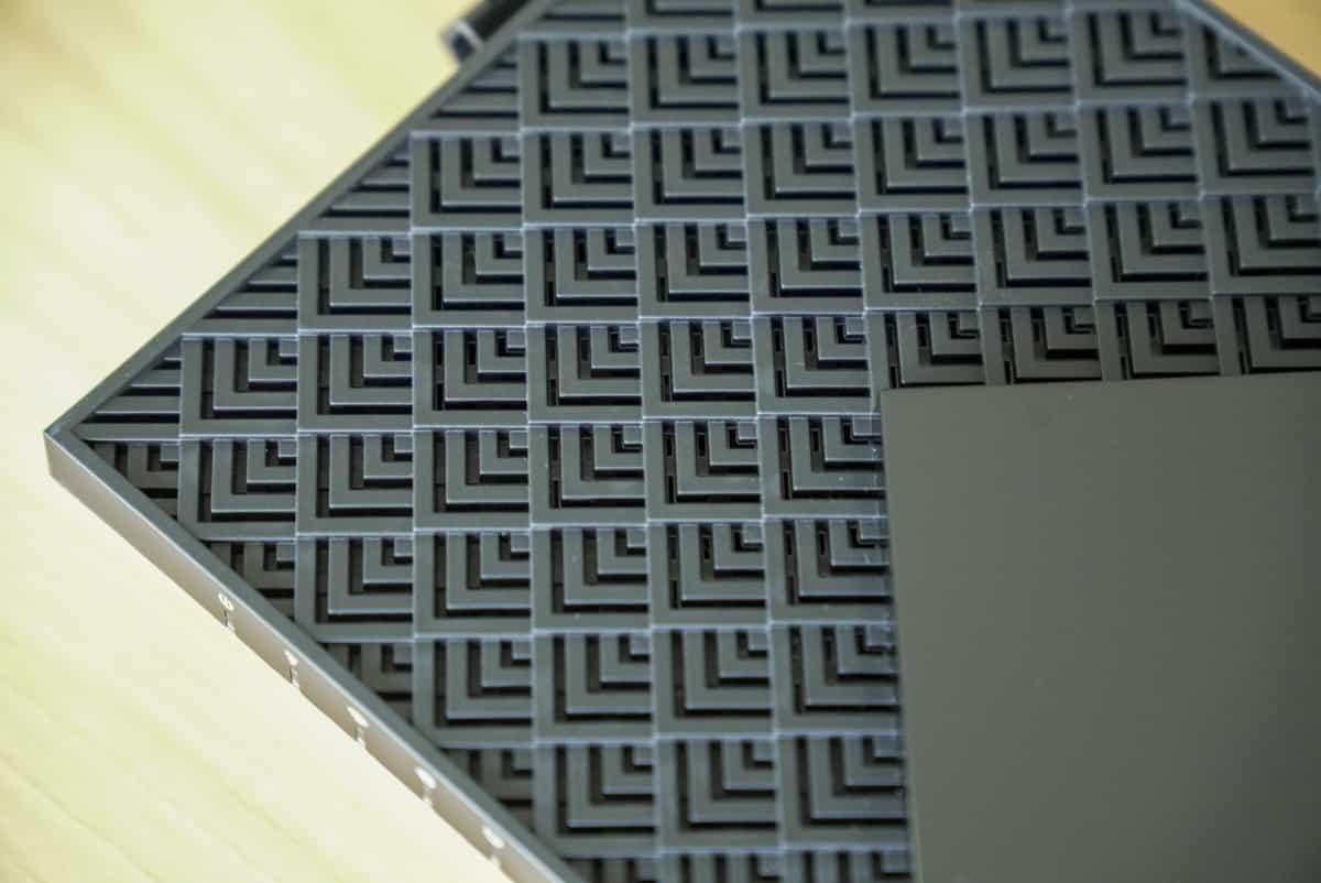 TP-Link Archer AX73 の通気孔部分の拡大画像