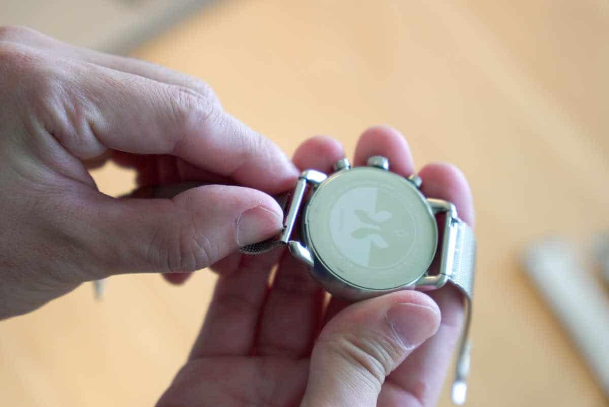 Nordgreenの腕時計のベルトはクイックリリース式を採用