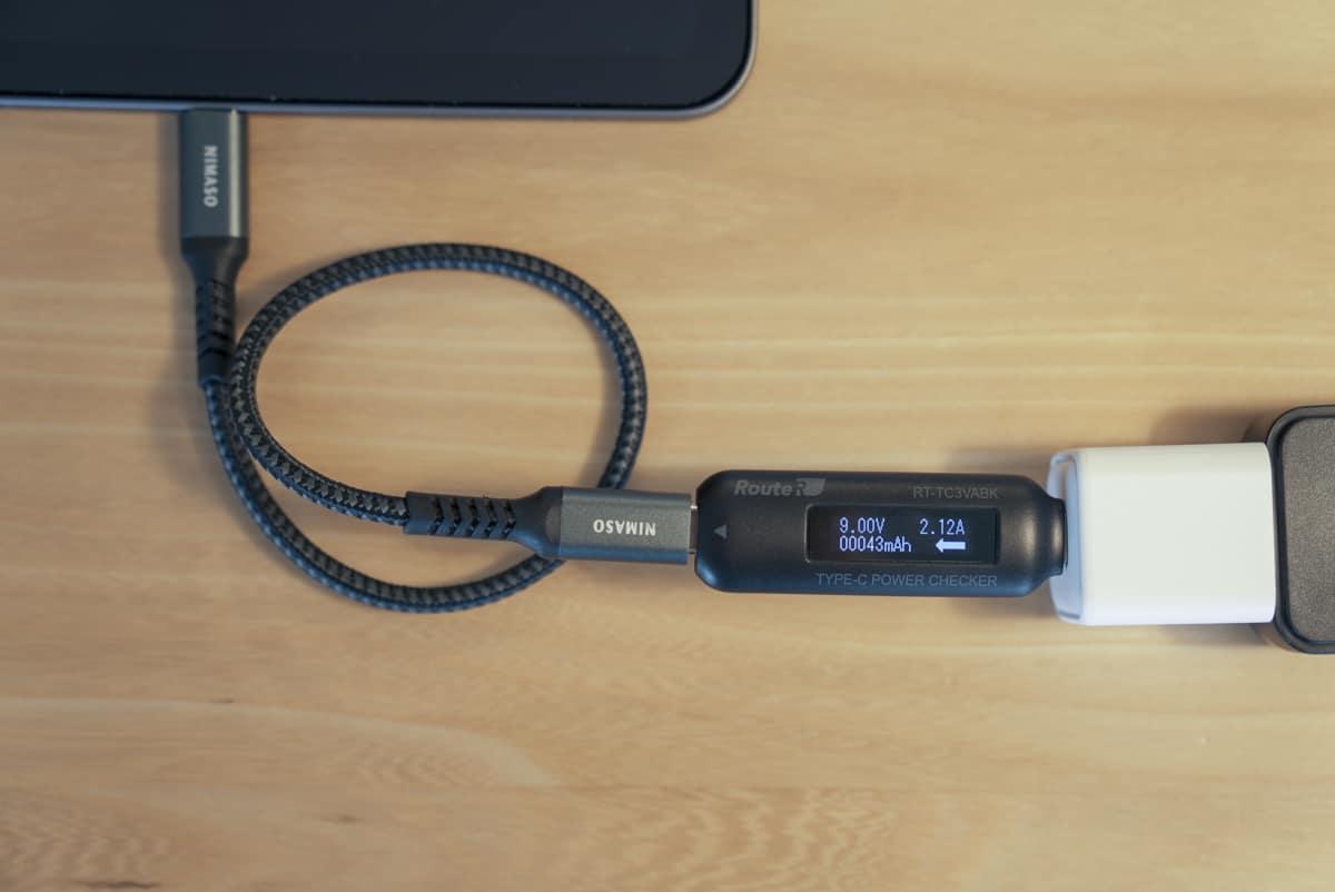 RAVPower RP-PC150でRedmi Note 10 Proを充電し、その際の出力を計測している画像