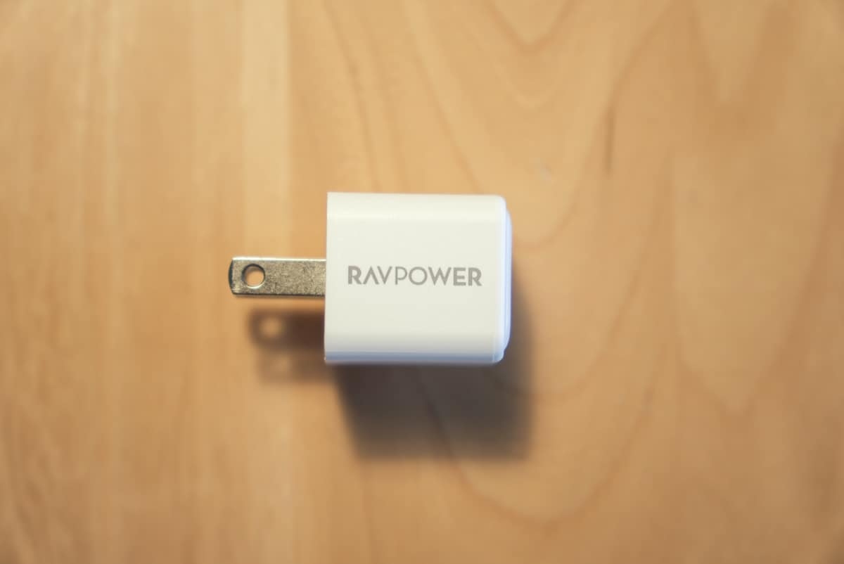 RAVPower RP-PC150のサイドのロゴ部分の拡大画像