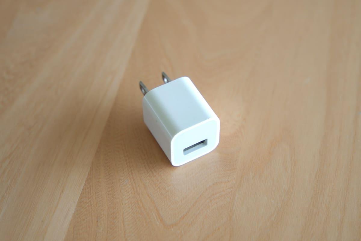 SwitchBot ハブミニはiPhoneの電源アダプタが流用可能