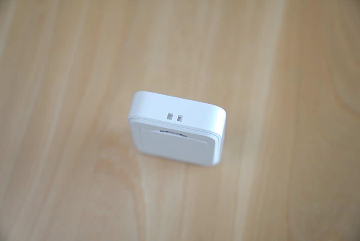 SwitchBot リモートボタンのストラップホールの拡大画像