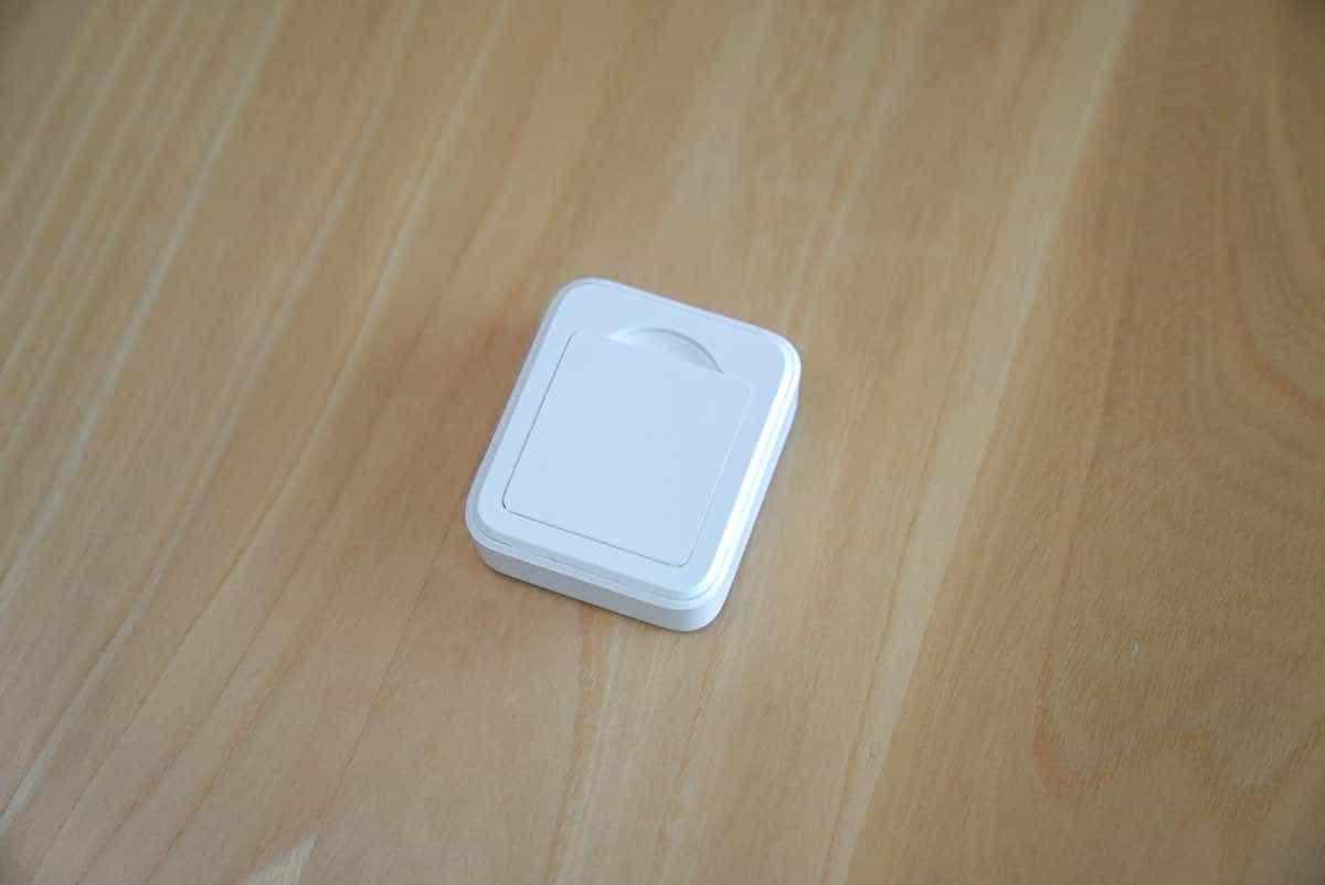 SwitchBot リモートボタンの裏蓋の画像