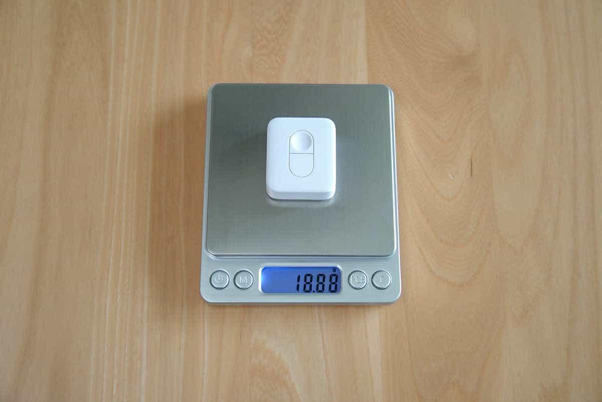 SwitchBot リモートボタンの重さを計測している状態の画像