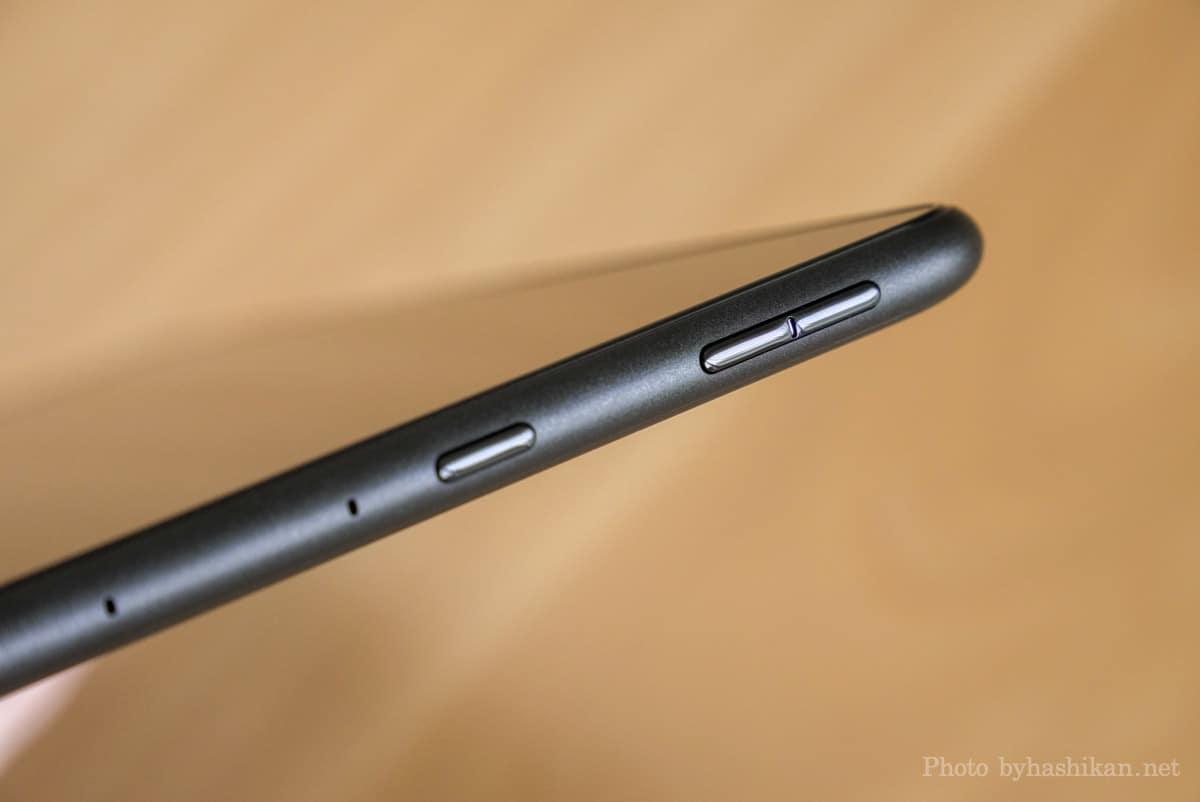 第11世代 Fire HD 10 2021年モデルのボタン部分の拡大画像