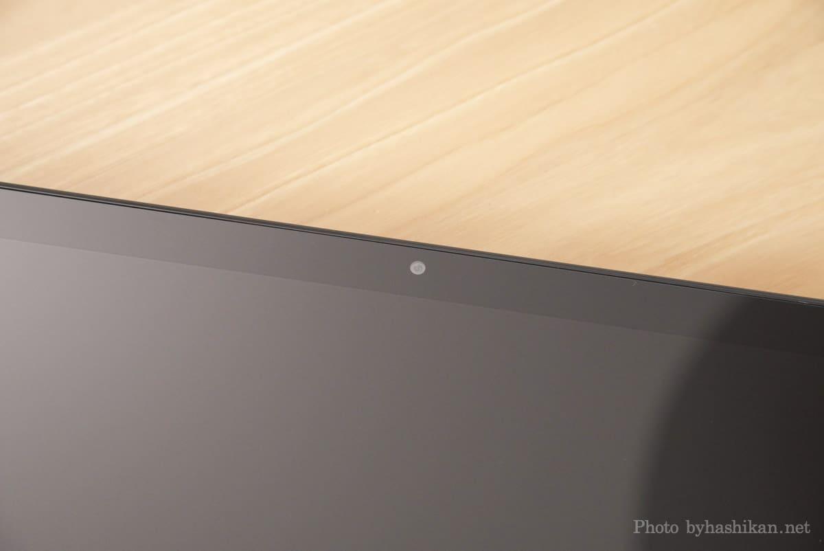 第11世代 Fire HD 10 2021年モデルのフロントカメラ部分の拡大画像